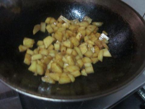红烧土豆块怎么吃