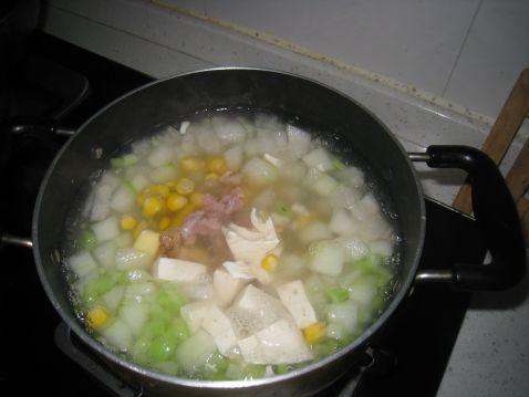 冬瓜豆腐玉米粒汤怎么吃
