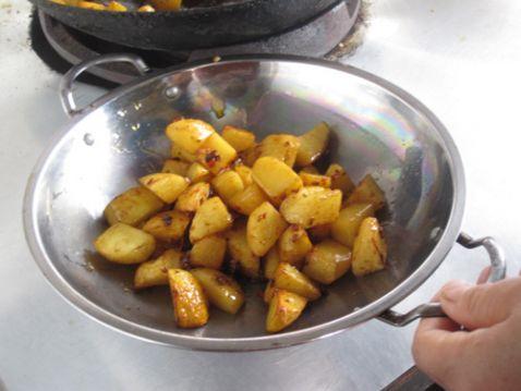 猪蹄火锅的制作方法