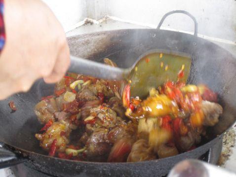 猪蹄火锅怎么吃