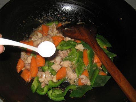青椒鸡丁怎么吃