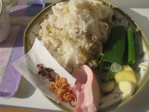 炖东北酸菜怎么吃