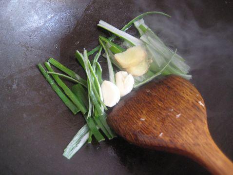 炖东北酸菜怎么煮