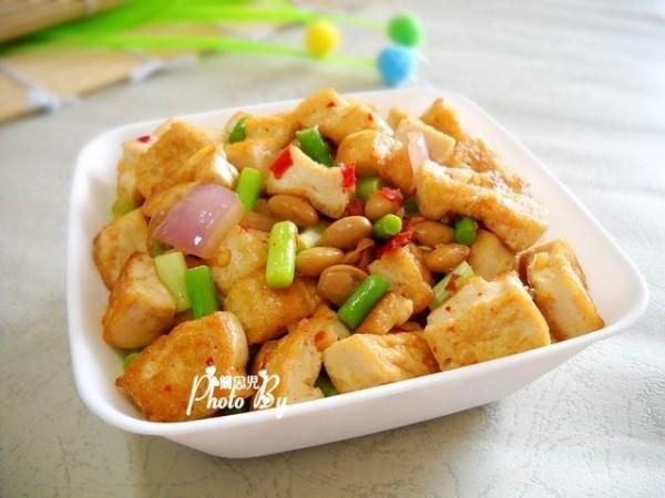 蒜苗炒豆腐怎样做