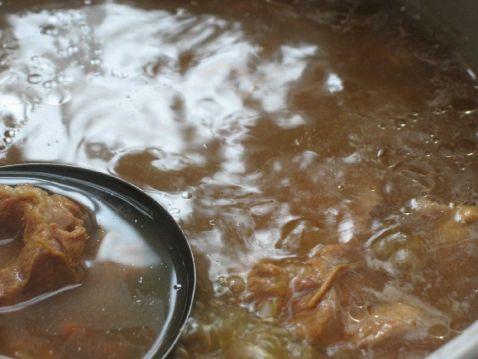花胶虫草花百合骨汤怎么吃