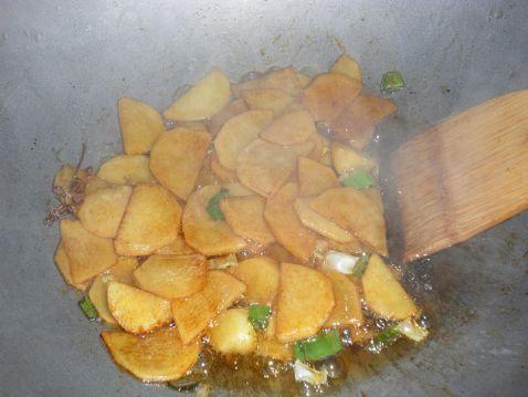 芹菜炒土豆片的简单做法
