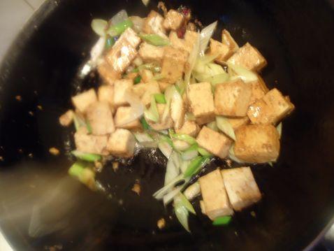 豆腐炒白菜怎么做