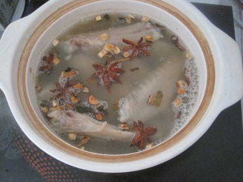 鸭翅煲的简单做法