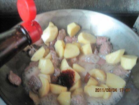 红烧牛肉土豆怎么做