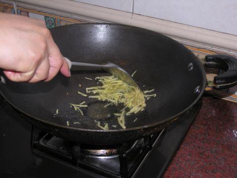 罗勒炒花蛤的家常做法