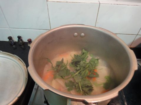 红萝卜大头菜猪骨汤怎么做