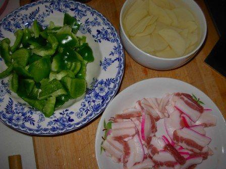 五花肉炒青椒土豆片的做法大全