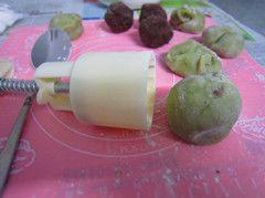 抹茶玫瑰豆沙冰皮月饼怎么炒