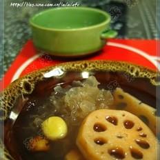 银耳莲藕汤的做法