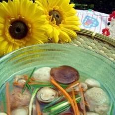 丸子什菌汤的做法