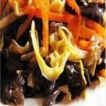 明目清心-黑木耳炒黄花菜的做法