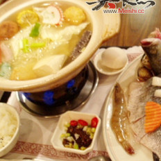 菊花鲈鱼火锅的做法