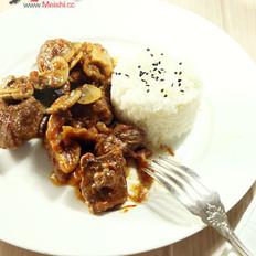 酸奶油炖蘑菇番茄牛肉
