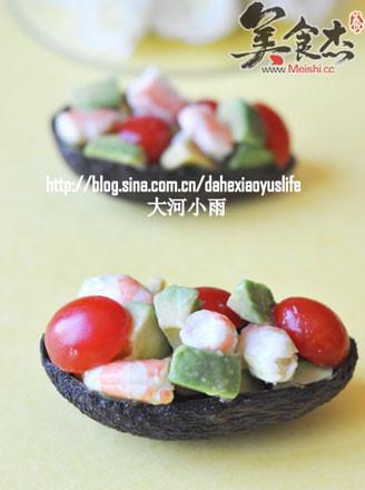 牛油果西红柿虾仁沙拉的做法