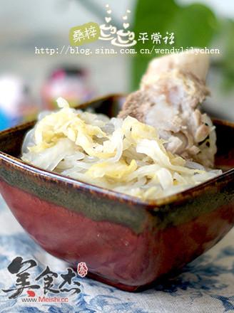 大骨炖酸菜的做法