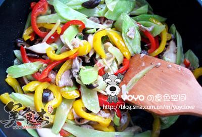 缤纷蔬菜炒香菇的简单做法
