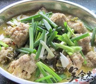 丸子酸菜鱼的做法