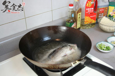 鲫鱼炖豆腐的做法图解