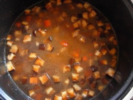 土豆瘦肉香菇饭怎么做