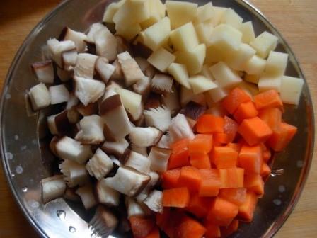 土豆瘦肉香菇饭的做法图解