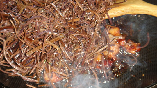 干蕨菜焖肉怎么炒