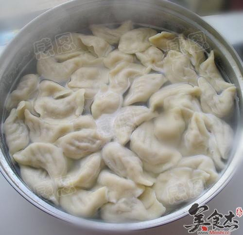 芹菜猪肉饺子怎么炖