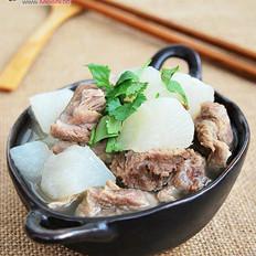 砂锅萝卜炖牛腩