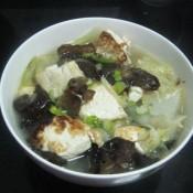 黑木耳豆腐炖白菜