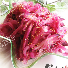 凉拌紫萝卜