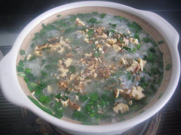 核桃韭菜粥怎么吃