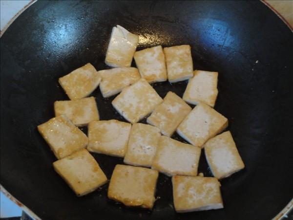 黄豆芽炒豆腐的简单做法