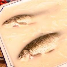 鲫鱼通乳汤