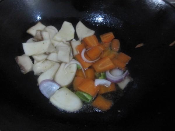 杏鲍菇洋葱炒牛肉的简单做法