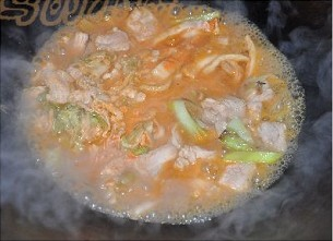辣白菜烧五花肉怎么煮