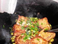臭豆腐烩毛豆怎么煮