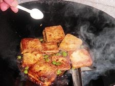 臭豆腐烩毛豆怎么做