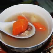 花生眉豆煲鲫鱼