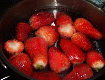 糖水草莓的做法大全