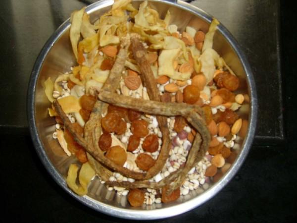 鹌鹑药材汤的做法图解