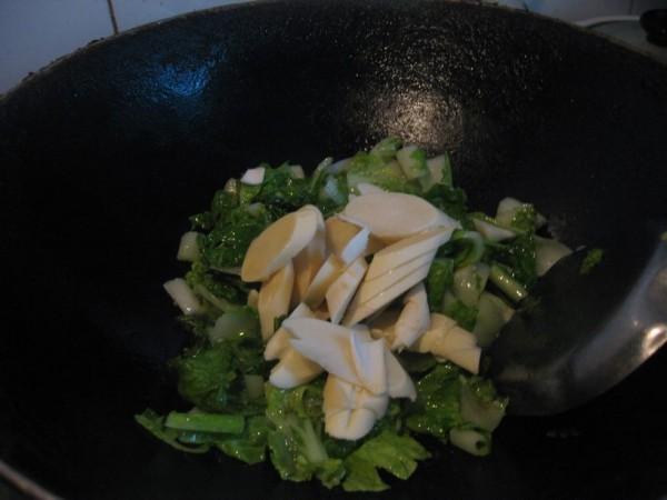 毛毛菜炒鞭笋的简单做法