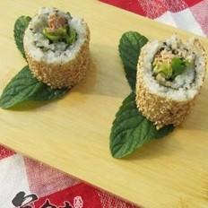 金枪鱼生菜寿司