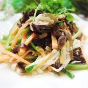 杂蔬拌金针菇