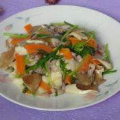 鲍鱼菇小炒猪蹄炖牛肉图片