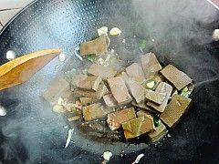 鸭血烧豆腐怎么做