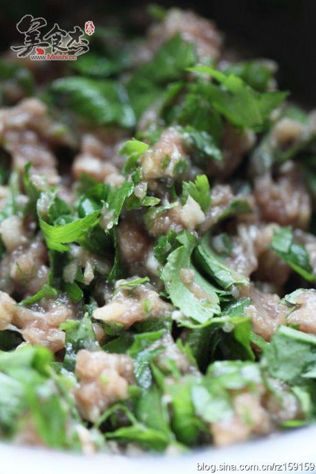 菊花叶猪肉饺的做法图解